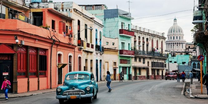 Llamar de PERÚ a CUBA